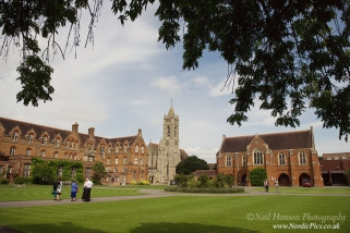 Wedding Photography for St Hughs College in Oxford by Oxfordshire Wedding Photographer Neil Hanson